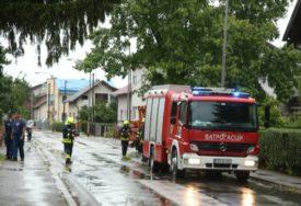 UZBUNA I ZBOG UPELJENOG POŽARNOG ALARMA Banjalučki vatrogasci intervenisali zbog jakog nevremena