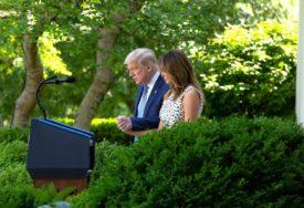 MELANIJA PONOVO ODUŠEVILA Prva dama SAD pokazala zanosnu figuru (FOTO)