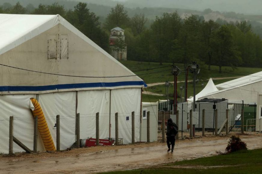 MIGRANTSKA KRIZA U BiH Tegeltija: Mogu se očekivati novi incidenti u KAMPOVIMA BEZ KONTROLE