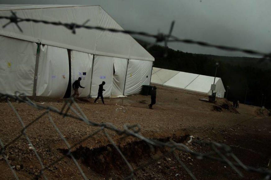 RANJENO DIJETE Pucnjava u migrantskom kampu Miral