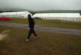 DVOJE MALOLJETNIKA BEZ PRATNJE Izmještene 53 migrantske porodice iz napuštenih objekata