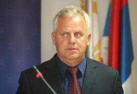 """""""To je politički obračun"""" Muškarac kod Prnjavora pucao na poslanika Miladina Stanića, policija ga uhapsila"""