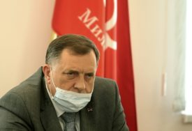 BORBA SA KORONOM Dodik: Potrebno PROŠIRITI MJERE kada je riječ o nošenju maski na otvorenom