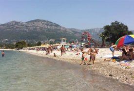 NAJVIŠE GOSTIJU IZ BiH U Crnoj Gori trenutno boravi više od 27.000 turista