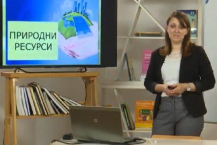Nastava na daljinu uz SRPSKAINFO: Osmaci učili o prirodnim bogatstvima (VIDEO)