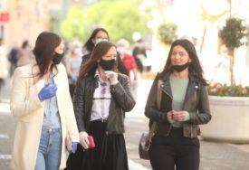 MASKE OBAVEZNE U JAVNOM PREVOZU Broj zaraženih raste u ovom gradu, mjere se pooštravaju