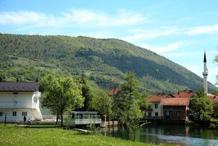 Krater nazvan po maloj opštini u Srpskoj: U Jezeru večeras JAVNO PRAĆENJE SLIJETANJA ROVERA na Mars
