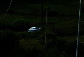 TRAGEDIJA U LAKTAŠIMA Muškarac stradao prilikom slijetanja vozila sa kolovoza
