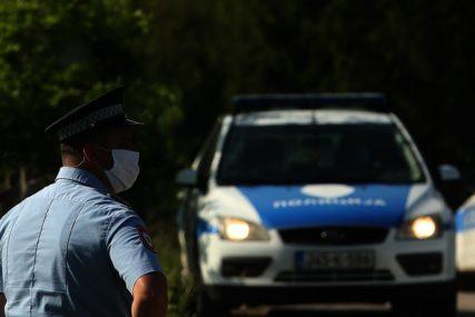 Osumnjičen za izazivanje opšte opasnosti: Mještanin sela Kremeni Do kod Trebinja zapalio svoju kuću i auto, policija ga privela