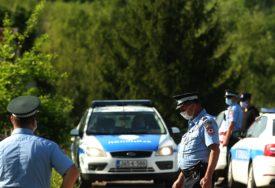 RASVIJETLJENA KRAĐA BMW ZA 20 MINUTA Lopovi uhapšeni, automobil vraćen vlasniku