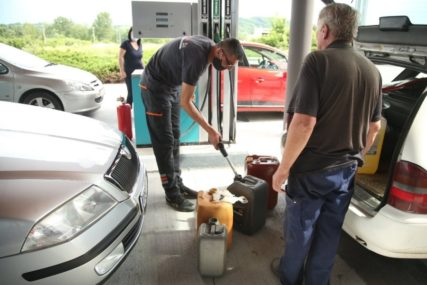 Ima li kraja poskupljenjima: Cijena goriva u julu mogla bi da ode za još tri feninga po litru
