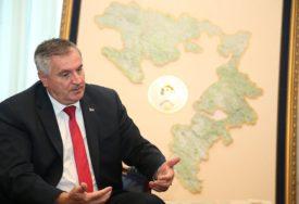 BESPLATAN PREVOZ I DŽEPARAC ZA SREDNJOŠKOLCE Vlada Srpske će stimulisati deficitarna zanimanja