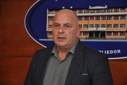 """""""IZ ODGOVORNOSTI PREMA DODIKU"""" Zamjenik gradonačelnika Prijedora podnio ostavku"""