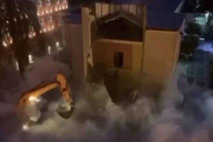 POLICIJA HAPSI I BIJE DEMONSTRANTE Šokantni snimci stižu iz Tirane, sve je počelo zbog OVOG