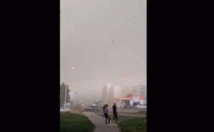 NALETI VJETRA NOSILI KROVOVESnažan uragan u centralnom dijelu Rusije, IMA ŽRTAVA (VIDEO)