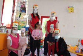 MAŠTOVITI VASPITAČI OBRADOVALI MALIŠANE Viziri za djecu vrtića u Nevesinju