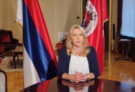 """""""Ponos i radost svih nas"""" Cvijanovićeva čestitala mladom harmonikašu Đorđu Periću"""