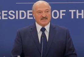 INFORMACIONI PRITISAK BEZ PRESEDANA Lukašenko: Moramo u svojim rukama da držimo prošlost