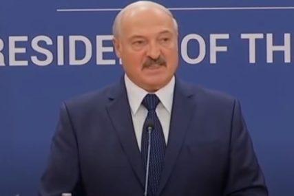 """""""KAŽEM VAM PRED SVIMA"""" Lukašenko poručuje da vojska mora da bude spremna i za domaće prijetnje"""