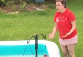 SMIJEH DO SUZA Spazila je vjevericu u bazenu, kada je pokušala da je spase počeo je ŠOU (VIDEO)