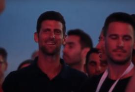 U PRVIM REDOVIMA Novak Đoković uživao i pjevao na Džibonijevom koncertu u Zadru (VIDEO)
