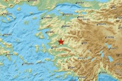 NOVI ZEMLJOTRES U TURSKOJ Tresao se sjever zemlje, ljudi u panici IZLETJELI NA ULICU
