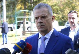 ŠTA SE KRIJE IZA OSTAVKE Radončićev bijeg od migranata ili nova koalicija