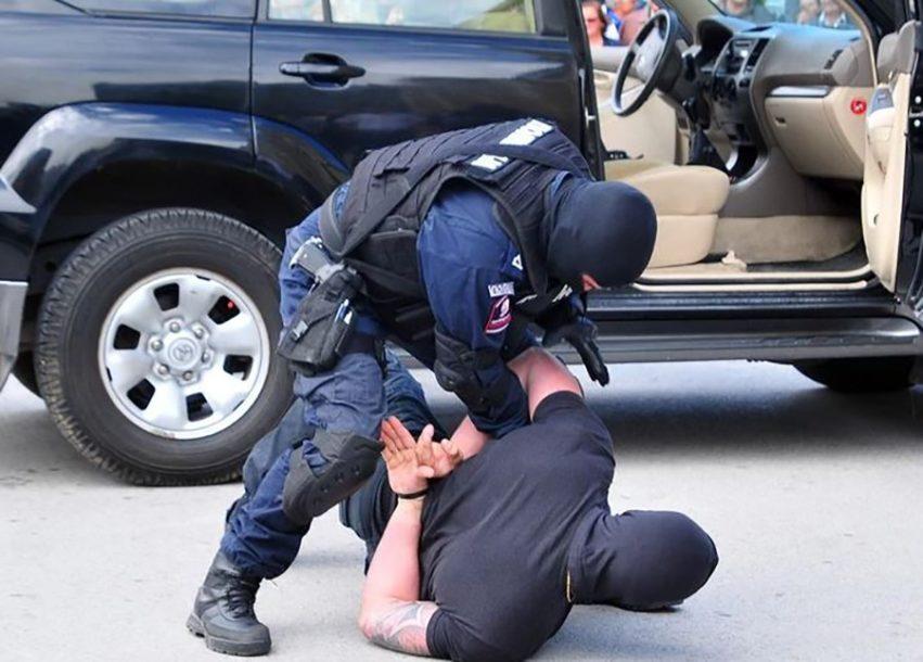 UHAPŠEN NAKON PRIJETNJI BIVŠOJ SUPRUZI Policija od Banjalučanina oduzela oružje i teleskopsku palicu