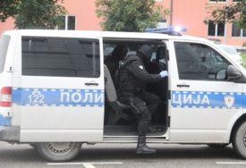 U BANJALUCI UHAPŠEN LOPOV S POTJERNICE Vozio sa ukradenim diplomatskim tablicama