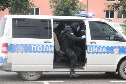 NAGRABUSILI ZBOG MEDA Dva prijatelja će dugo pamtiti policijsku kontrolu u Tesliću