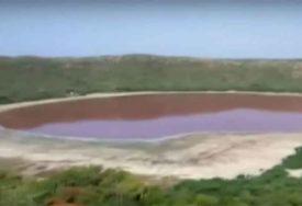 ČUDAN PRIZOR Jezero staro preko 50.000 godina postalo roze, naučnici BEZ OBJAŠNJENJA (VIDEO)