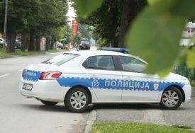 KULMINIRALA SVAĐA U SAOBRAĆAJU Polupao automobil u centru Banjaluke
