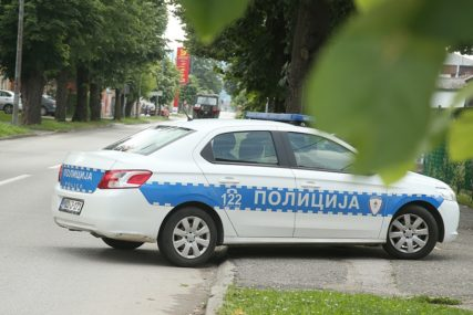 POLICAJCA UDARIO AUTOMOBILOM Uhapšen jer je ometao službenike u obavljanju posla