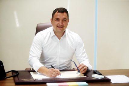 Lučić: Novinari neadekvatno plaćeni za rad u teškim uslovima