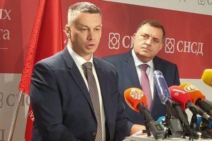 """""""KOALICIJA SE NIJE RASPALA"""" Dodik i Nešić riješili nesuglasice između SNSD i DNS"""