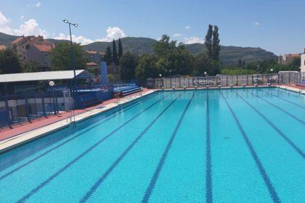 POČINJE SEZONA KUPANJA Olimpijski bazen spreman za posjetioce
