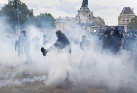 PROTEST U PARIZU Suzavac na demonstrante protiv rasizma i policijskog nasilja (VIDEO)