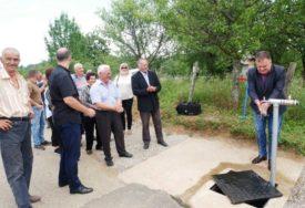 U selima ispod Prosare BOLJI USLOVI ŽIVOTA: Voda i asfalt unijeli radost u Sovjaku