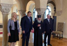 """""""NISMO SUSJEDI VEĆ JEDAN NAROD"""" Dodik, Cvijanovićeva i Višković razgovarali sa patrijarhom Irinejom"""