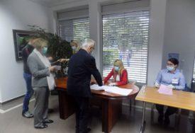 DRŽAVLJANIN SRBIJE VIŠE OD 20 GODINA Čubrilović glasao u Banjaluci