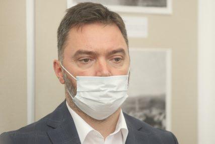 UHAPŠENI ZBOG PRIMANJA MITA Košarac: Insistirati na zakonitom postupanju graničnih inspektora