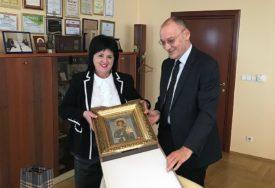 Zaslužan za jačanje odnosa Srpske i Srbije: Konzul Nikolić u oproštajnoj posjeti Vladi RS