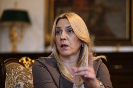 HEROJI NAŠEG VREMENA Cvijanović: Odati priznanje zdravstvenim radnicima