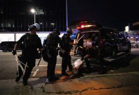VELIKA TRAGEDIJA Brat (3) i sestra (4) nađeni MRTVI, otac ih ostavio u kamionu PET sati (FOTO)