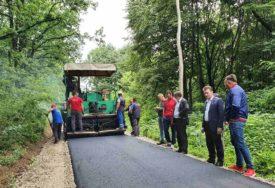 ZA BOLJI KVALITET ŽIVOTA Novi asfalt u Tutnjevcu kod Ugljevika
