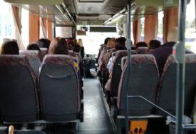 """""""IMA VREMENA ZA SVE, NAROČITO ZA DJECU"""" Darko vozač autobusa sitnicama uljepšava dan putnicima (FOTO)"""