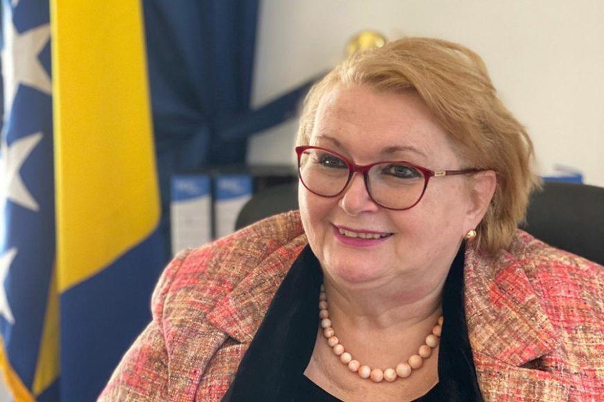 Na razgovore može da potroši prosječnu platu u BiH: Turkovićeva ima mjesečni limit za mobilni telefon od 1.000 KM