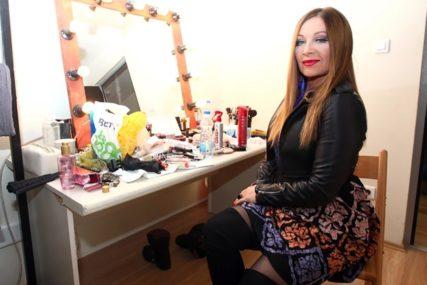 PONOVO PROVOCIRA Danica Maksimović objavila vrele fotke u kupaćem