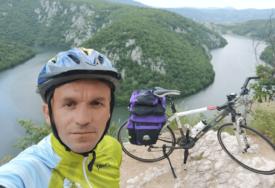NA DVA TOČKA DO SVETE GORE Biciklom prelazi i po 200 kilometara dnevno