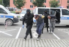 "AKCIJA ""JEZERO 2"" Osumnjičeni za šverc POLA KILOGRAMA DROGE  prebačeni u tužilaštvo"